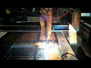 macchina da taglio al plasma a basso costo cnc in lamiera di acciaio a basso costo